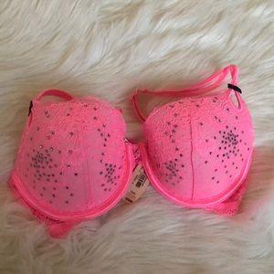 Victoria's Secret Intimates & Sleepwear - NWT Victoria Secret 32D + Small set